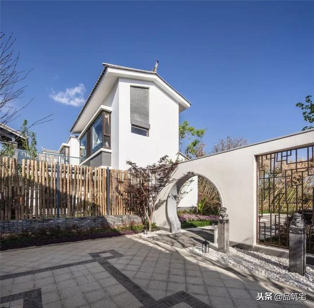 两层新中式风格合院别墅,独立与共享的庭院空间,新方式新生活图片