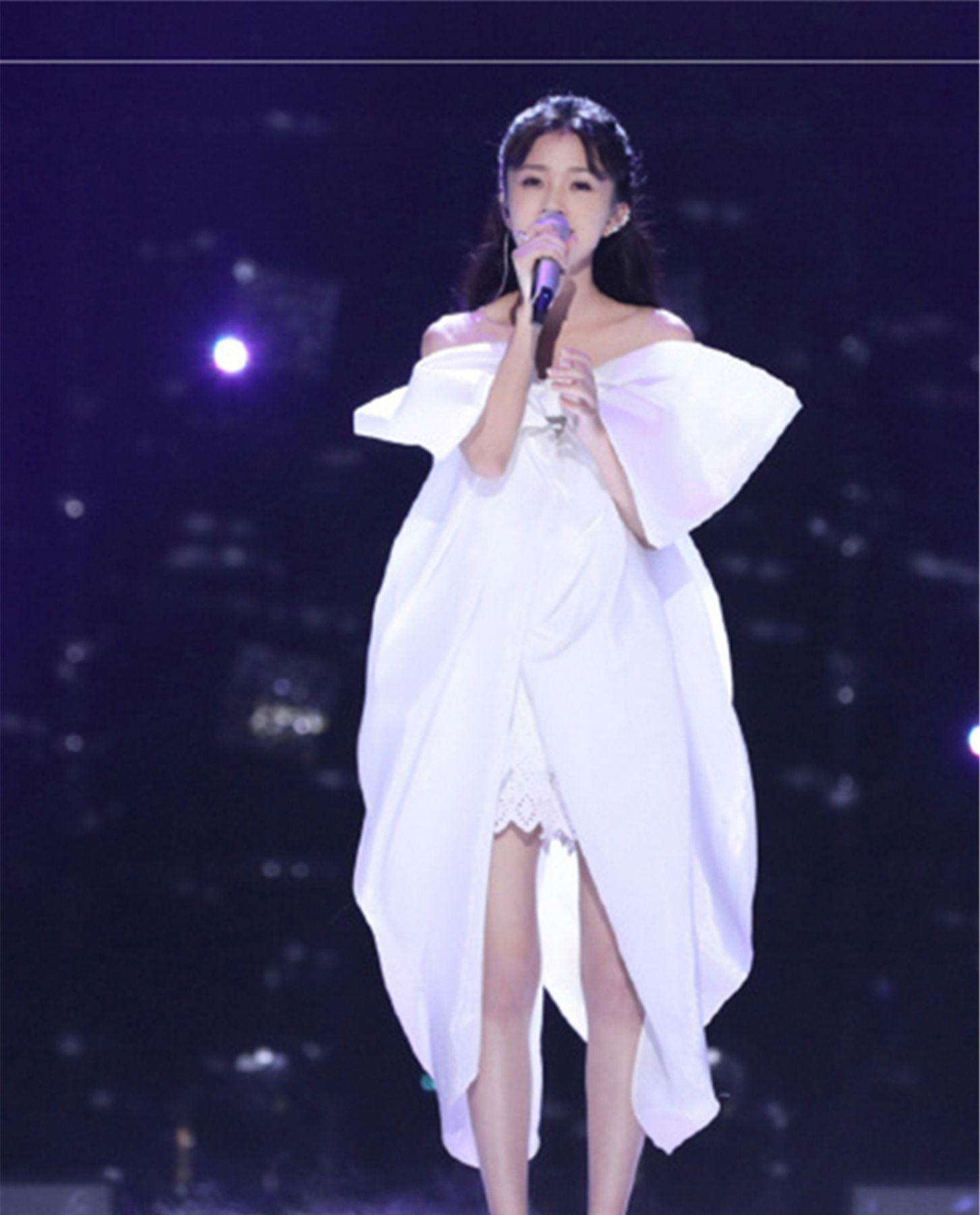 知情人透露,《明日之子3》张钰琪为夺最强厂牌,放弃出国读书