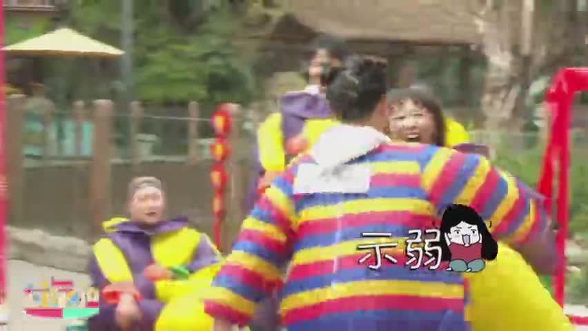 """小时姐姐表演撕名牌教科书式""""快手"""""""