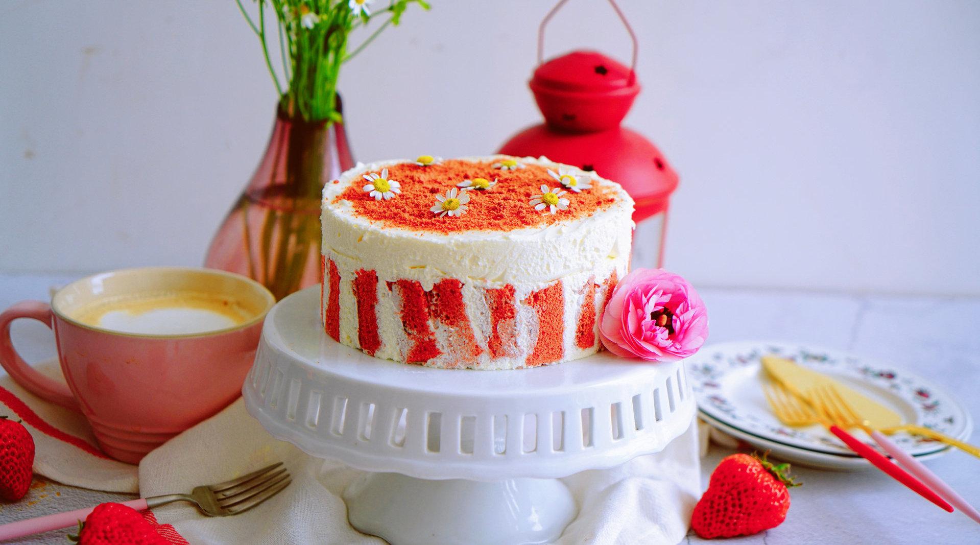 超详细步骤教你制作冬季ins网红蛋糕-红丝绒草莓乳酪蛋糕 @鲜城  制作