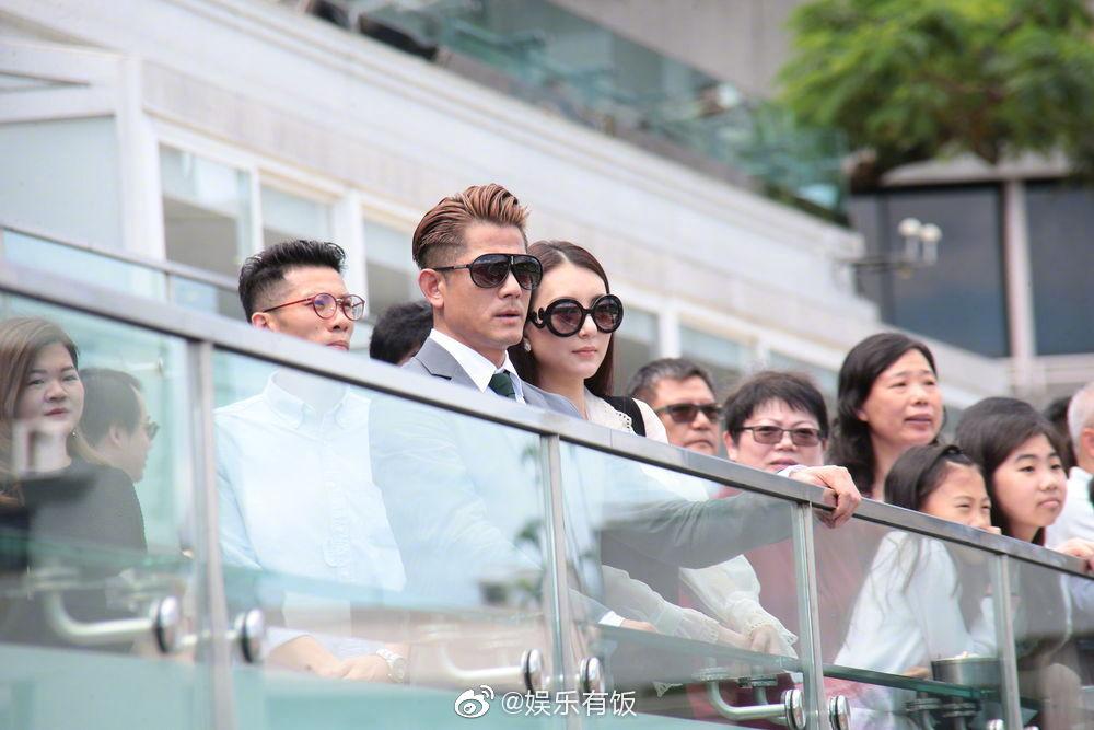 7月1日下午,郭富城带着老婆方媛现身香港沙田马场支持他的马匹出赛