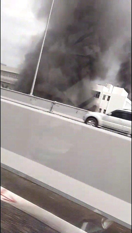 突发:海口海盛路一建筑物起火冒烟   南海网记者已赶往现场了解情况
