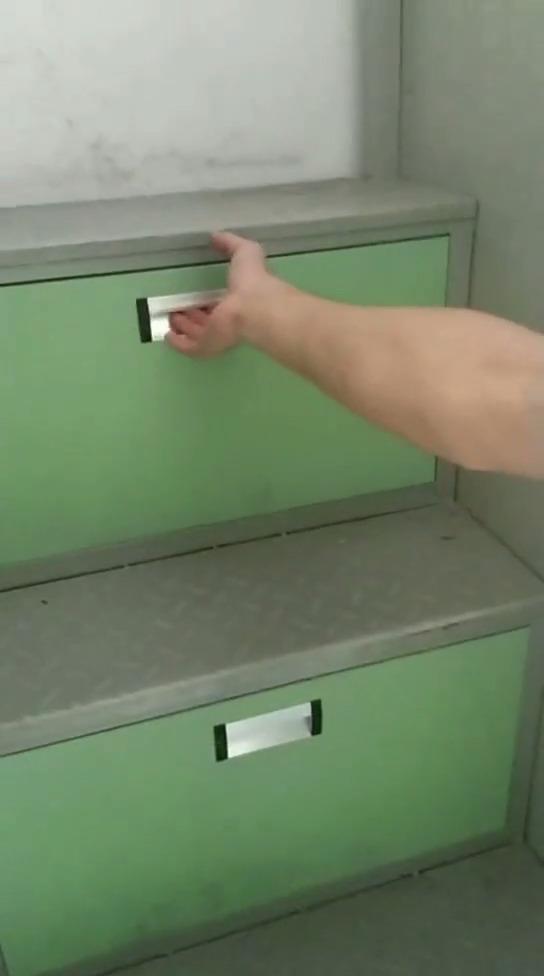 学校的智障箱子哈哈哈哈哈哈哈