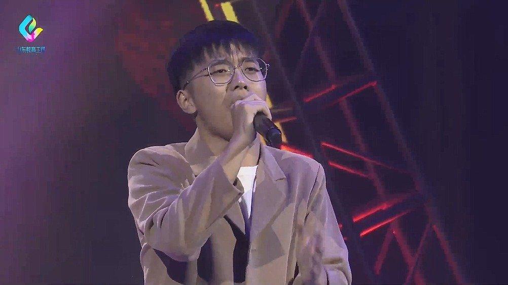 山东农业大学的刘玉浩,演唱《难道》