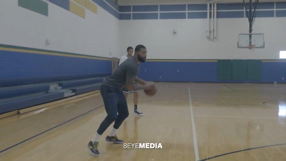马库斯莫里斯休赛期的训练视频,主要是一些行进间投篮方面的练习