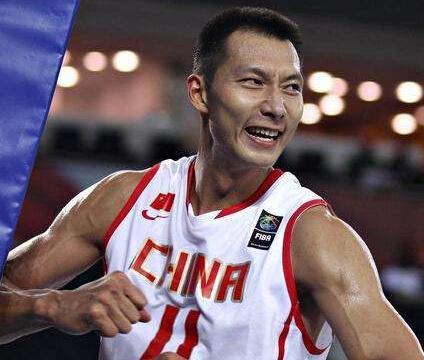 中国84 - 90不敌巴西,谁注意郭艾伦数据,半场20分表现出色