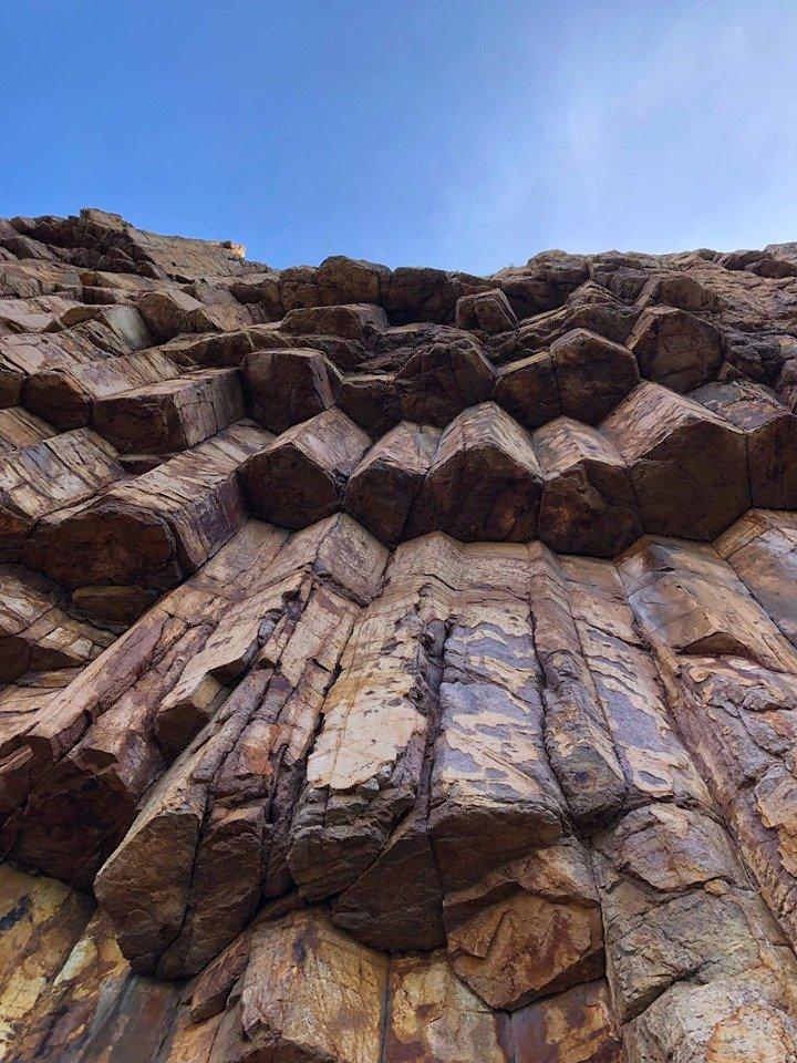 六角火山岩柱是香港世界地质公园的主要组成部分
