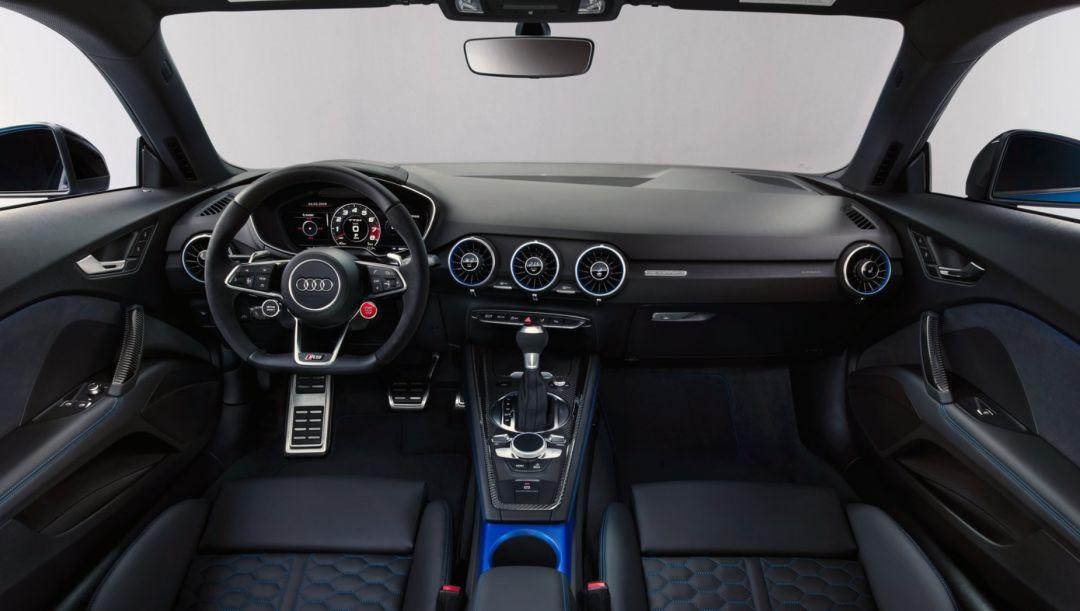 续写5缸性能车奇迹,新款奥迪TT RS来了,长得超燃!