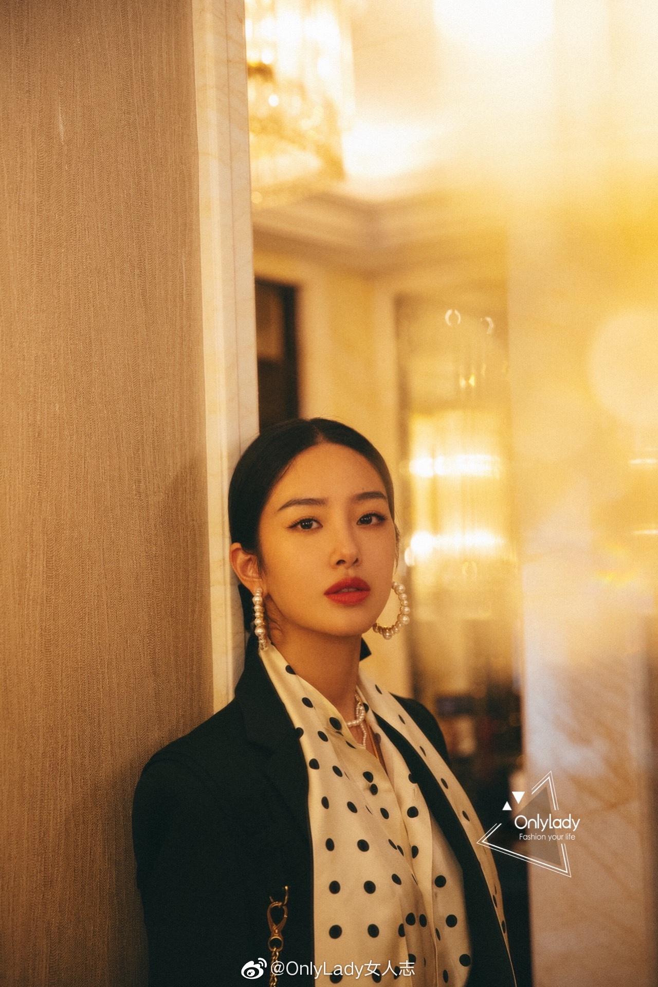 私服里好衣品的@杨采钰Ora 营业起来绝对不让人失望