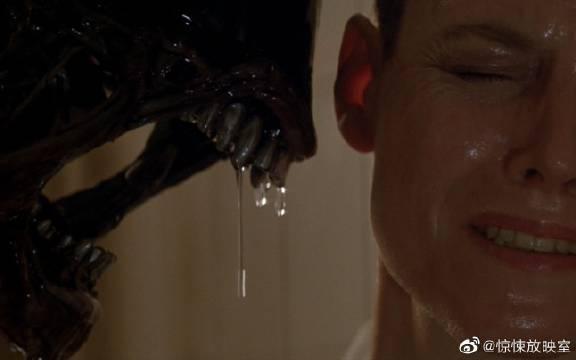 10分钟看完科幻恐怖片《异形3》,杀掉这个怪物,真的是太费劲了!
