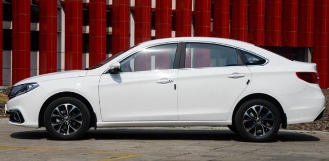 国产厚道家轿,车长4.7米空间宽敞,CVT变速箱油耗低,价格仅6万