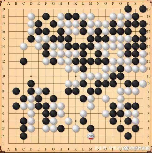 柯洁李轩豪现奇葩对局 98%胜率9手后认输