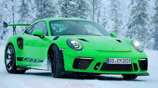 保时捷911 GT3 RS雪地试驾