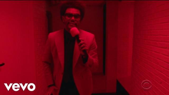 """盆栽哥The Weeknd做客Stephen Colbert Show带来全新单曲 """"Heartless"""