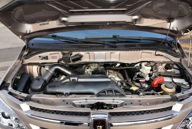 """适合""""小老板""""的车,车长5235mm,6-11座随便选,入门版不到8万"""