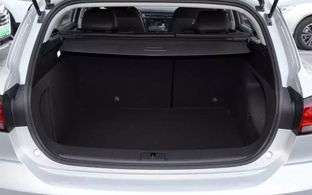 独立试驾荣威Ei5:真正的主流电动家用车,和燃油车差别有多大?