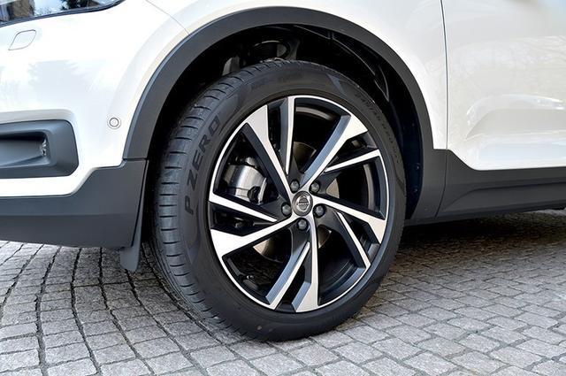 休闲SUV沃尔沃XC40,舒适性超奥迪,安全性能一流