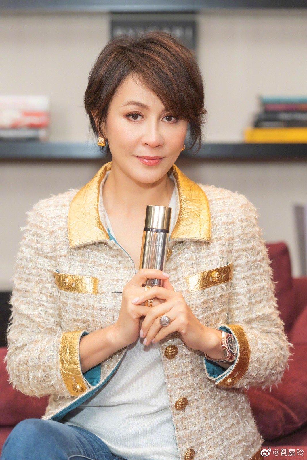 白皮书:中国高度重视并积极推进妇女事业发展