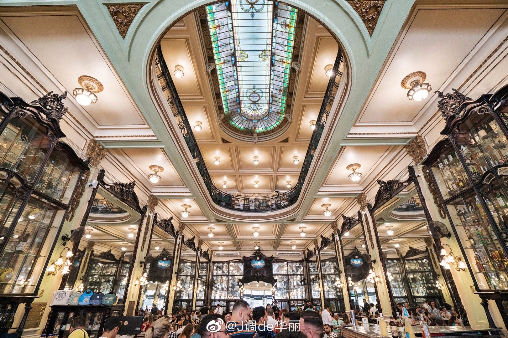 巴西旅行 | 打卡里约百年网红下午茶餐厅Confeitaria Colombo建于1
