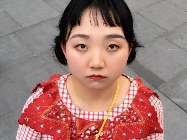 当辣目洋子开了网红滤镜,网友看后竟直言认不出,差距太大!
