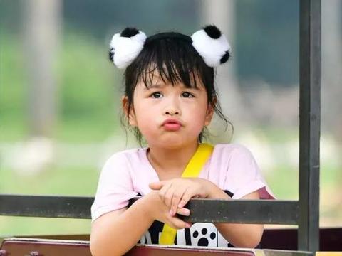 包贝尔三观有多正?从小富养女儿,却因包饺子不尊重保姆甩她耳光