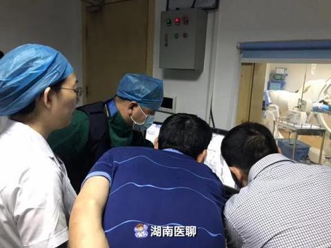 24岁产妇羊水栓塞大出血!三上手术台两次开腹,最后靠它成功止血