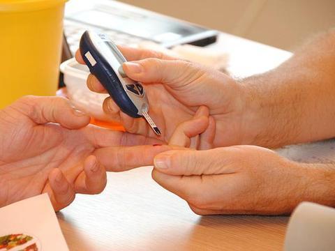 糖尿病患者控制血糖原来如此简单,掌握这8组数据就够了
