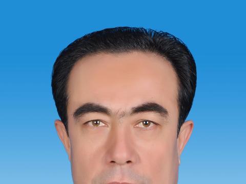 新疆维吾尔自治区和田地区墨玉县县长马合木提·吾买尔江向人民网网友拜年