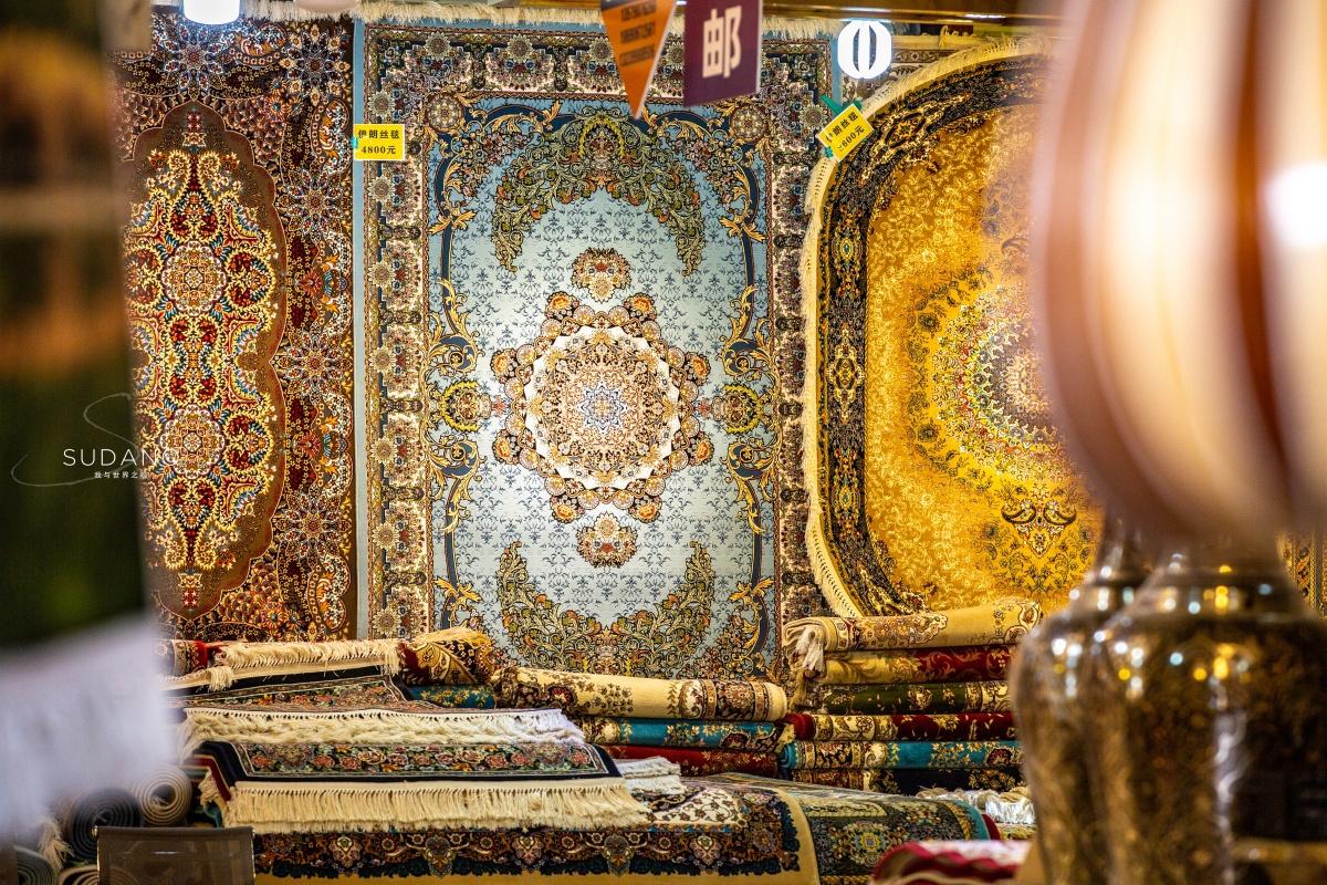喀什东门大巴扎,是我国西北地区最大的国际贸易市场