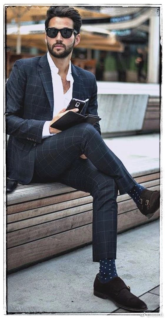 Smart Casual这个词用在西装上,也是姿态丰富的。男士们,学起来。