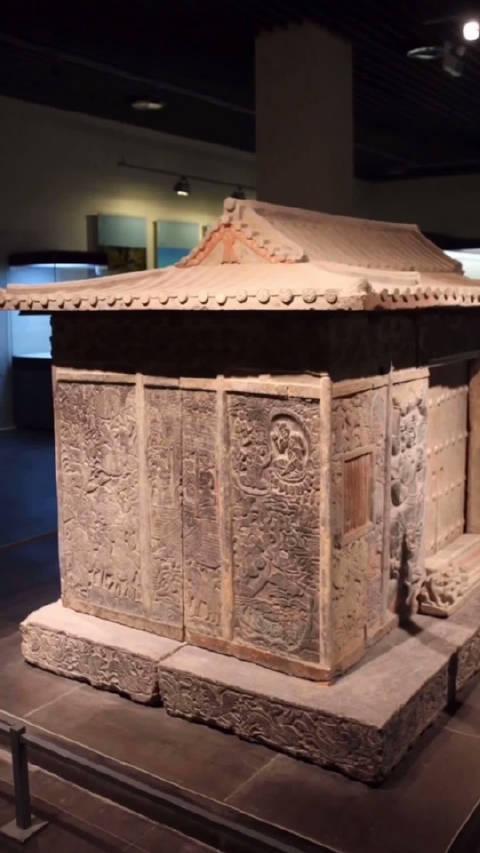 史君墓石椁,墓主姓史,为北周凉州萨保