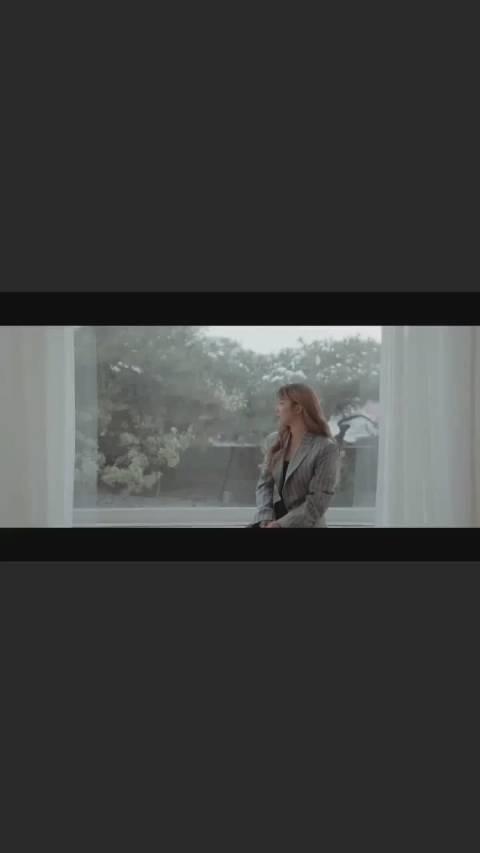 "200226 Luna更新instory四则@Luna_朴善怜 ""哪怕痛苦"" MV:"