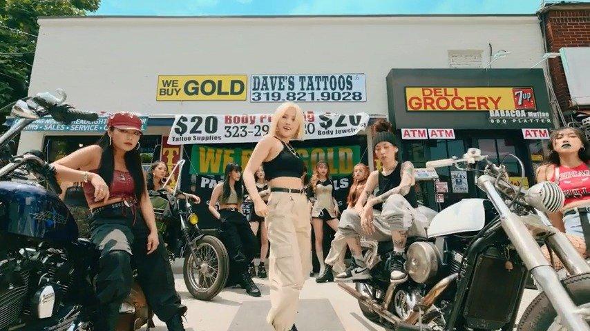 新曲《Uh-Oh》MV公开!!女孩子们独有的复古Girl Crush!太酷了!