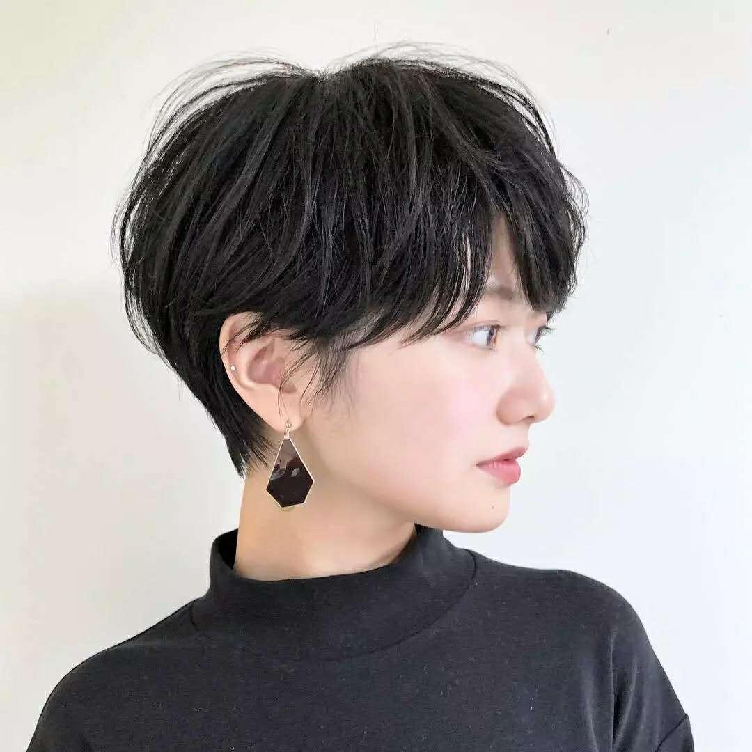 三十岁女士如何打造简约又时尚的短发?推荐八款女士必备潮短发图片