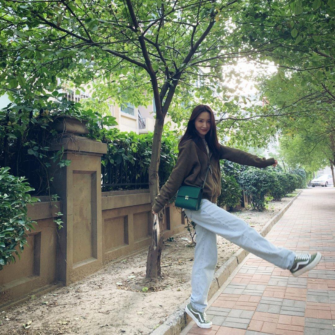 学校:北京现代音乐学院表演系星座:狮子座  @张媛-z