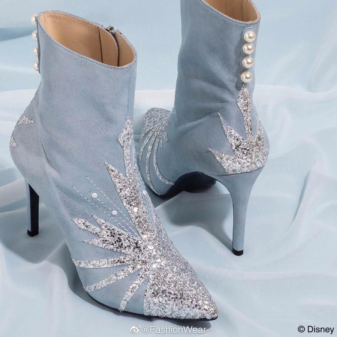 迪士尼冰雪奇缘主题同款鞋,有安娜和艾莎的靴子和奥洛夫的儿童雨靴