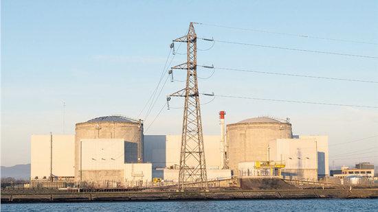 法国关闭最古老核电站 当地人不满意