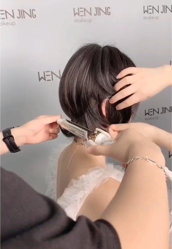 日系短发新娘发型的教程  :文静造型