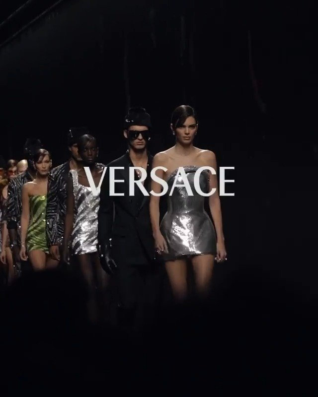 重溯80年代Versace's bold fall/winter 2020 collection Films by