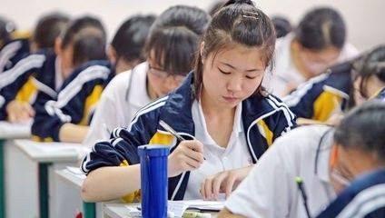 高考当天,山东6名考生被困电梯错过英语考试,谁来负责?