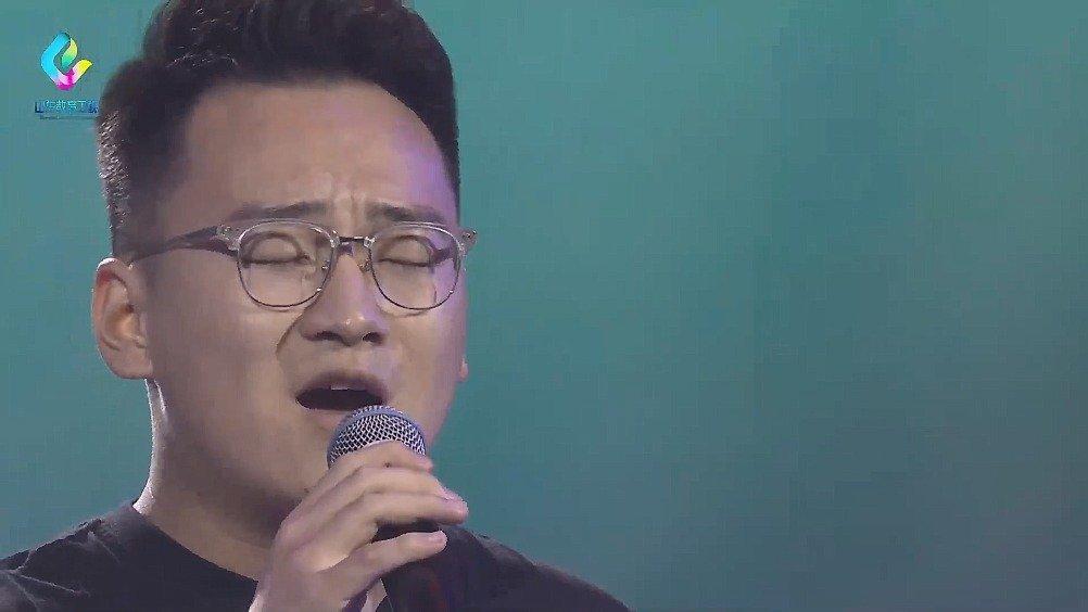 山东农业大学的宫一杰,演唱《慢慢》
