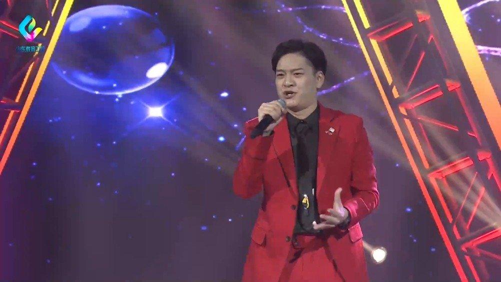 山东艺术学院的郭志恒,演唱《性别》