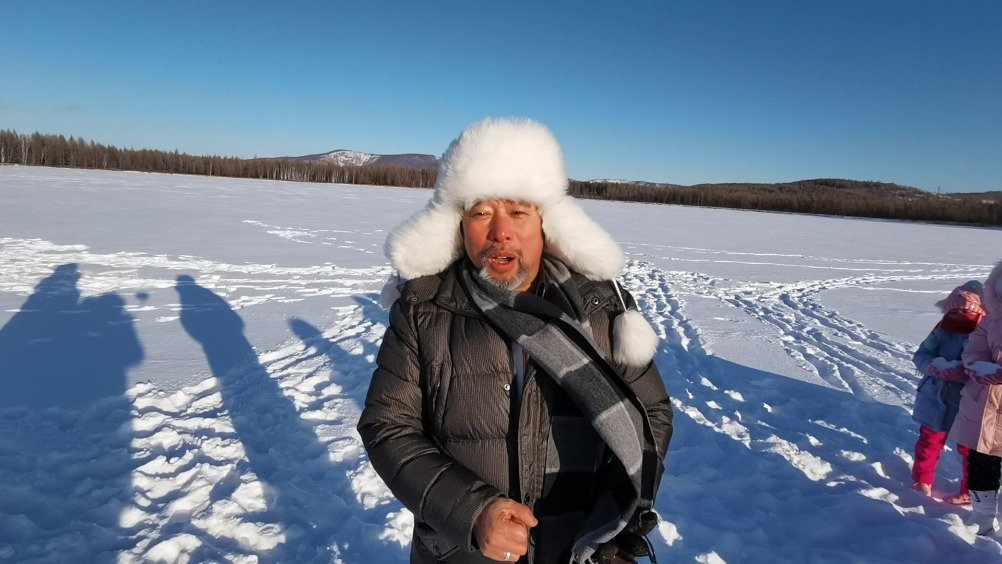 """北京市羊坊店中心小学体育老师周晨光是""""模拟冬奥会""""的倡导者"""