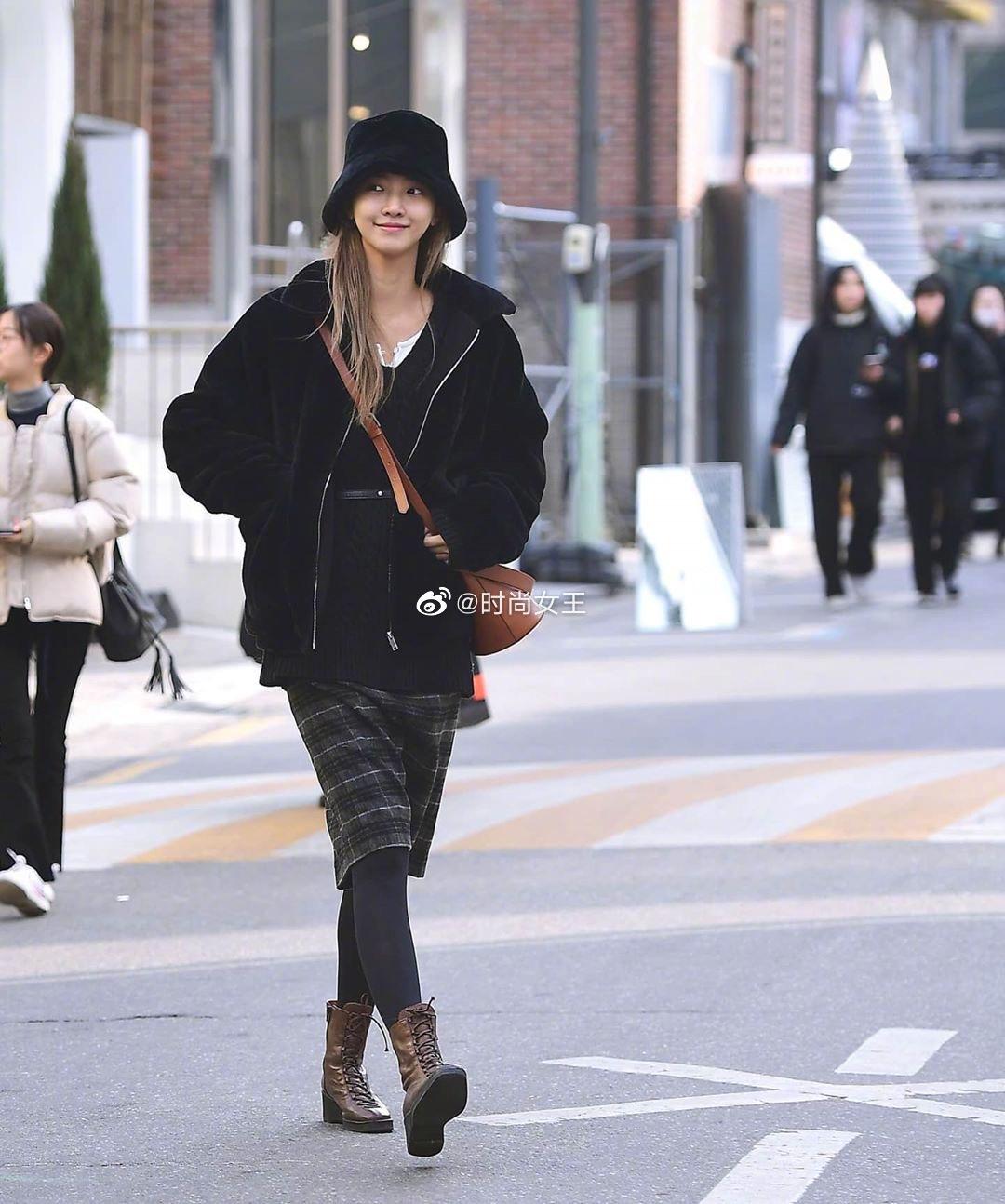 看多了欧美博主街拍,来换换口味,看看韩国小姐姐出街怎么穿。