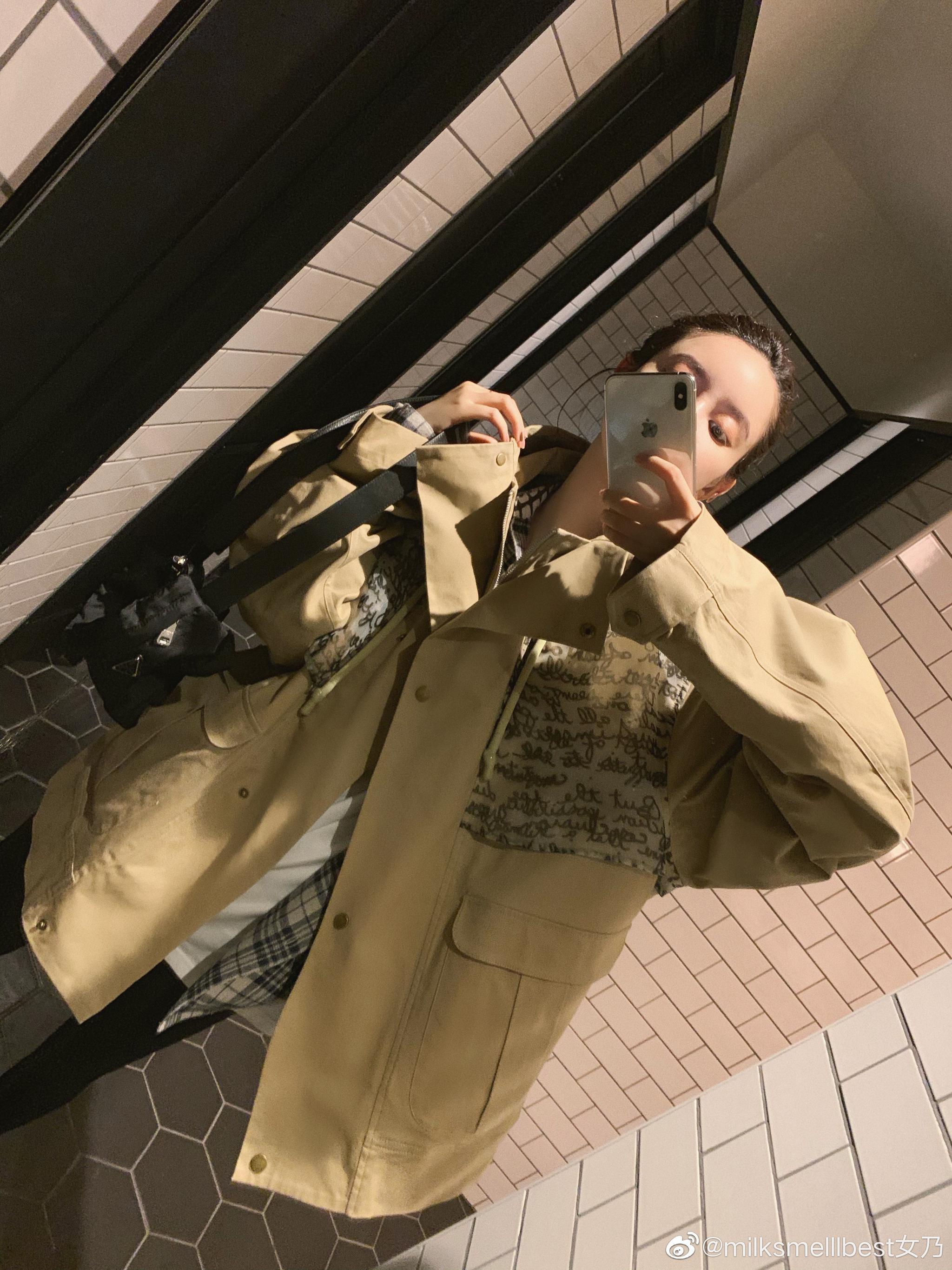 高冷现男友的风衣卡其色来了哦背后超级经典芝麻街的设计点卡其色