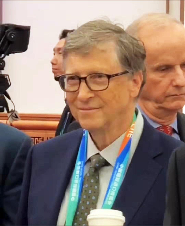比尔盖茨捐赠超350亿美元,仍是全球第二富豪