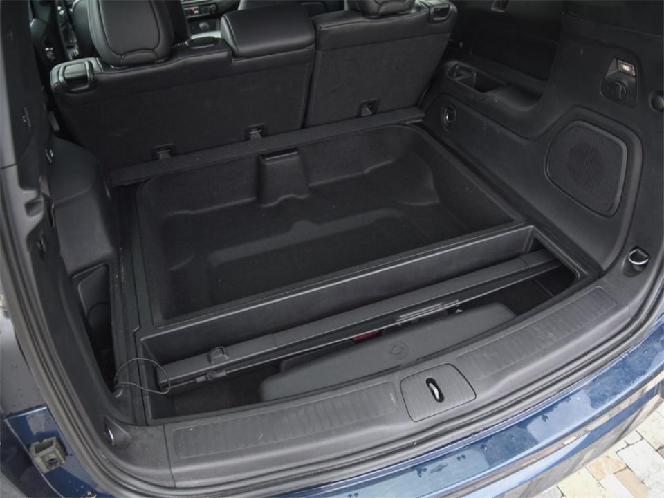 两款霸气十足的中型SUV都是20多万