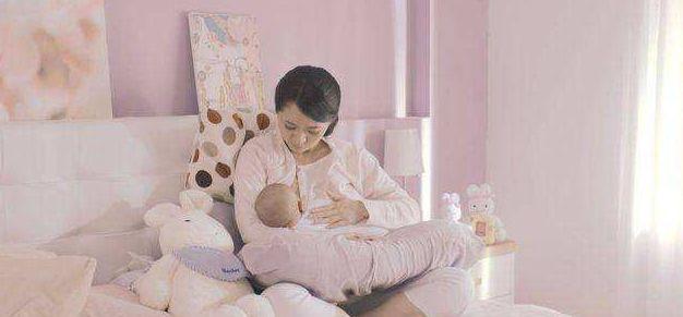 晚上喂养新生儿,怎么知道宝宝是不是吃饱了?按次数并不科学