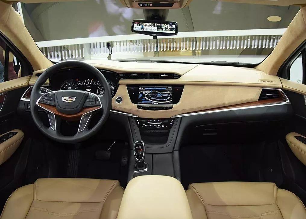 豪车销量大比拼 一个靠省油一个靠优惠如何选择?
