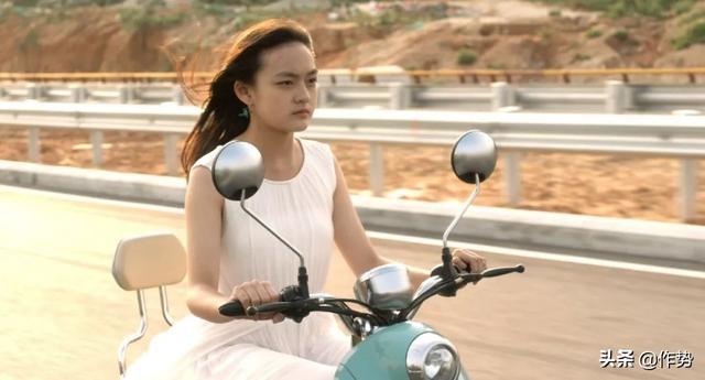 这个年轻女演员日常不修边幅,却靠演技和作品震撼了我们!